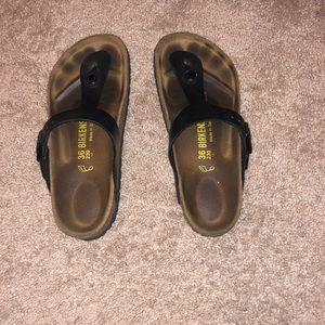 Birkenstock's Gizeh Sandals